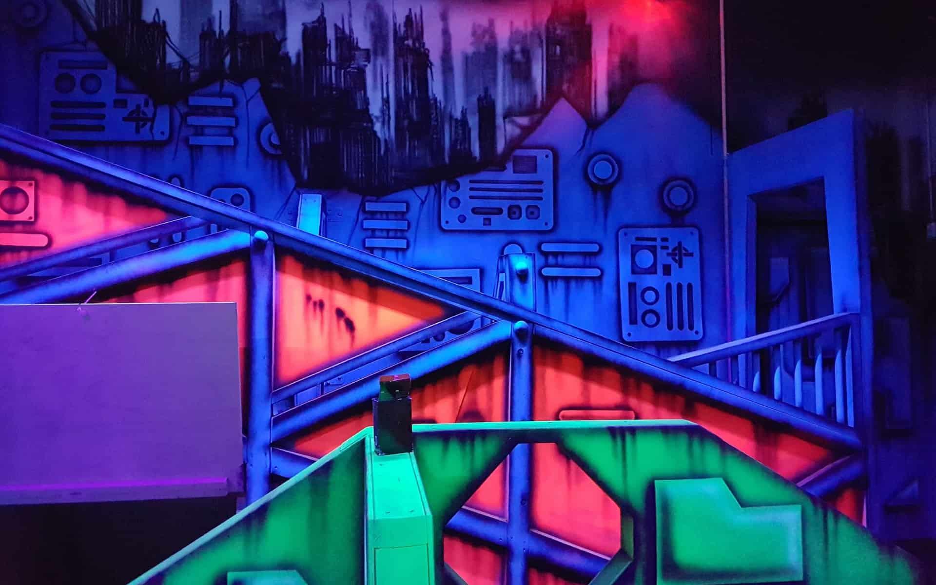 laser-tag-UV-mural-gary-drew